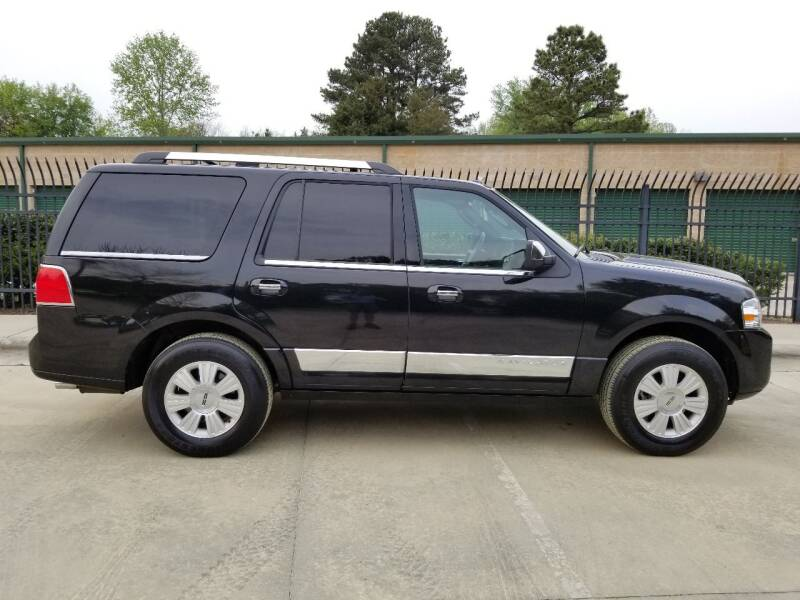 2014 Lincoln Navigator for sale at Hollingsworth Auto Sales in Wake Forest NC