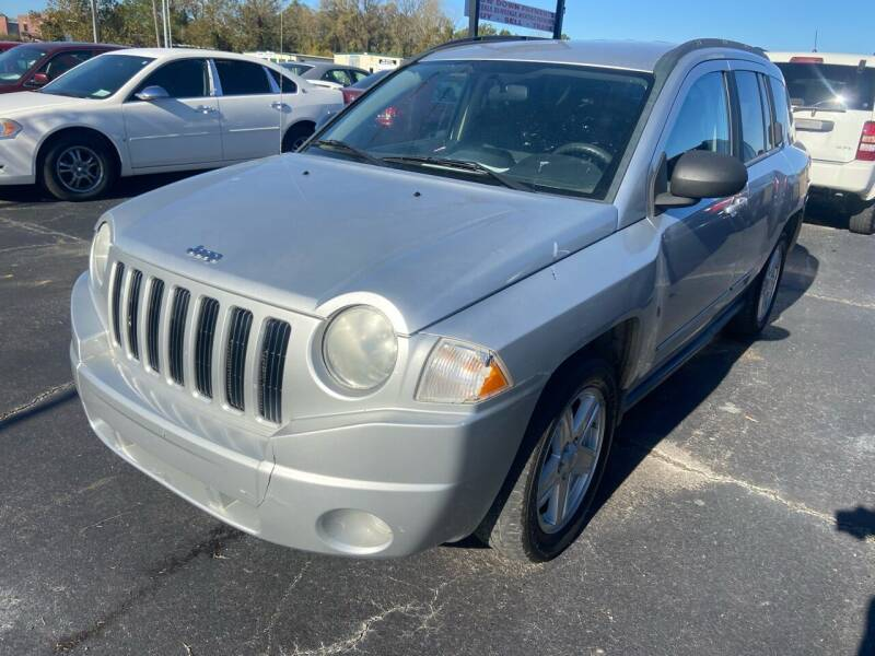 2010 Jeep Compass for sale at Sartins Auto Sales in Dyersburg TN