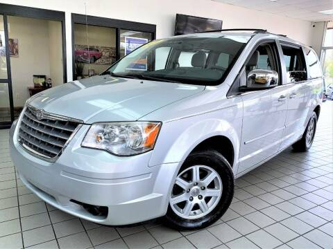 2010 Chrysler Town and Country for sale at SAINT CHARLES MOTORCARS in Saint Charles IL