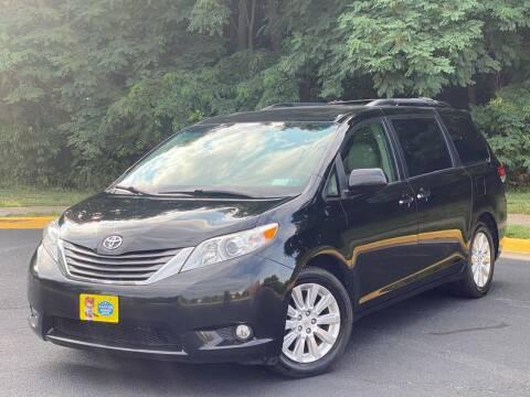 2012 Toyota Sienna for sale at Diamond Automobile Exchange in Woodbridge VA