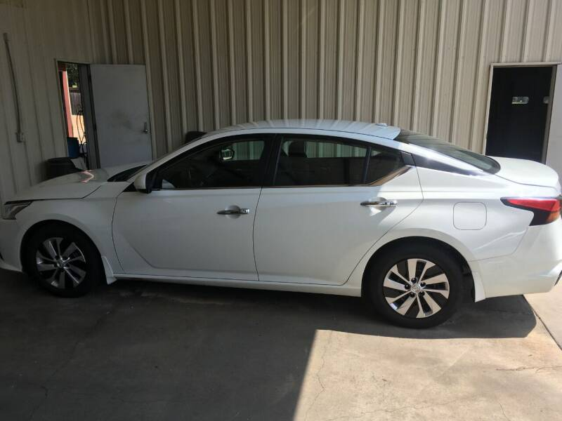 2020 Nissan Altima for sale at ALLEN JONES USED CARS INC in Steens MS