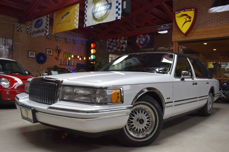 1994 Lincoln Town Car for sale at Chicago Cars US in Summit IL