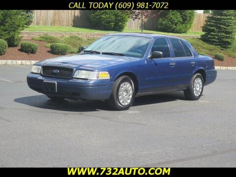 2004 Ford Crown Victoria for sale at Absolute Auto Solutions in Hamilton NJ