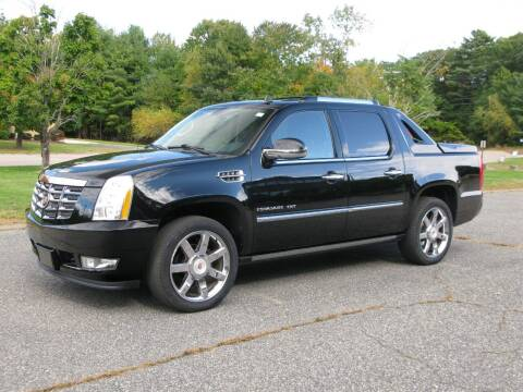 2013 Cadillac Escalade EXT for sale at The Car Vault in Holliston MA