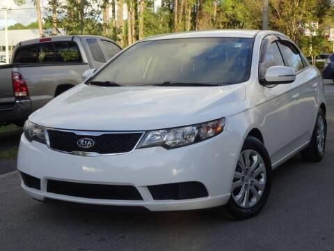 2013 Kia Forte for sale at Deal Maker of Gainesville in Gainesville FL