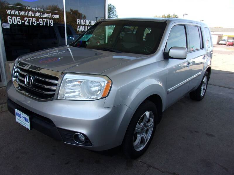 2012 Honda Pilot for sale at World Wide Automotive in Sioux Falls SD