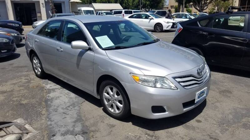 2011 Toyota Camry for sale at In-House Auto Finance in Hawthorne CA