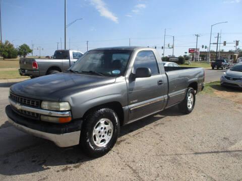 2001 Chevrolet Silverado 1500 for sale at BUZZZ MOTORS in Moore OK