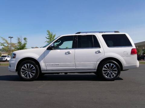 2015 Lincoln Navigator for sale at CLINT NEWELL USED CARS in Roseburg OR