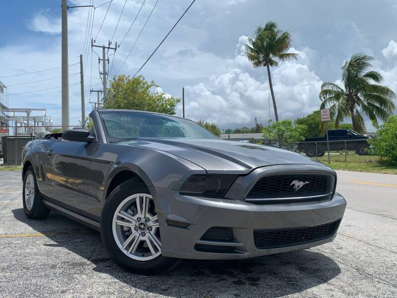 2014 Ford Mustang for sale in Hollywood, FL