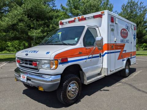 2002 Ford McCoy Miller E350 4x4 Type III Ambulance for sale at Global Emergency Vehicles Inc in Levittown PA