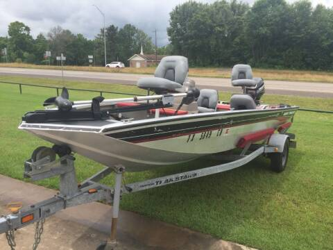 2002 Bass Tracker Pro Crappie 175 for sale at Custom Auto Sales - BOATS & WATERCRAFT in Longview TX