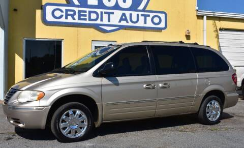 2006 Chrysler Town and Country for sale at Buy Here Pay Here Lawton.com in Lawton OK