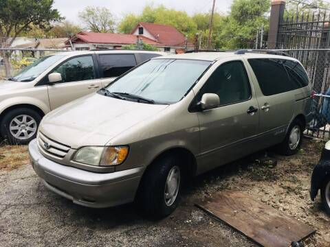 2002 Toyota Sienna for sale at Carzready in San Antonio TX