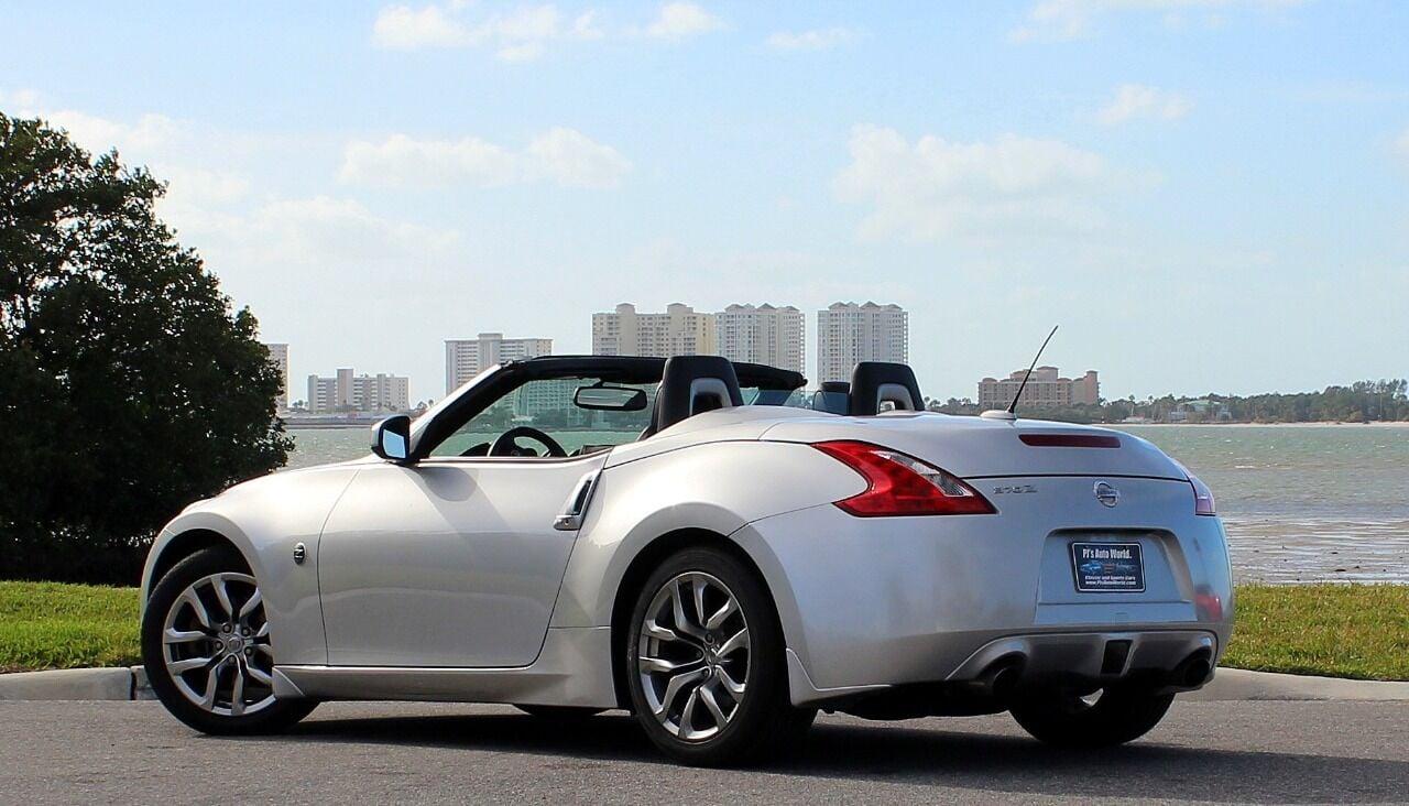 2010 Nissan 370Z 15