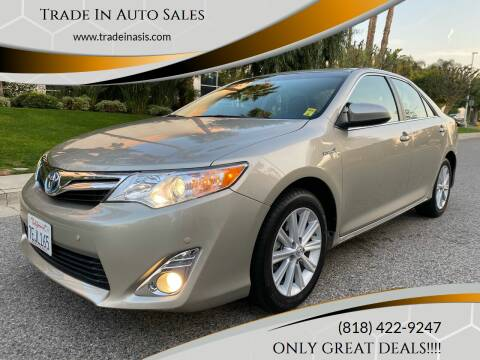 2014 Toyota Camry Hybrid for sale at Trade In Auto Sales in Van Nuys CA