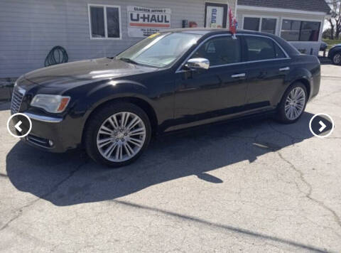 2011 Chrysler 300 for sale at Glacier Auto Sales in Wilmington DE