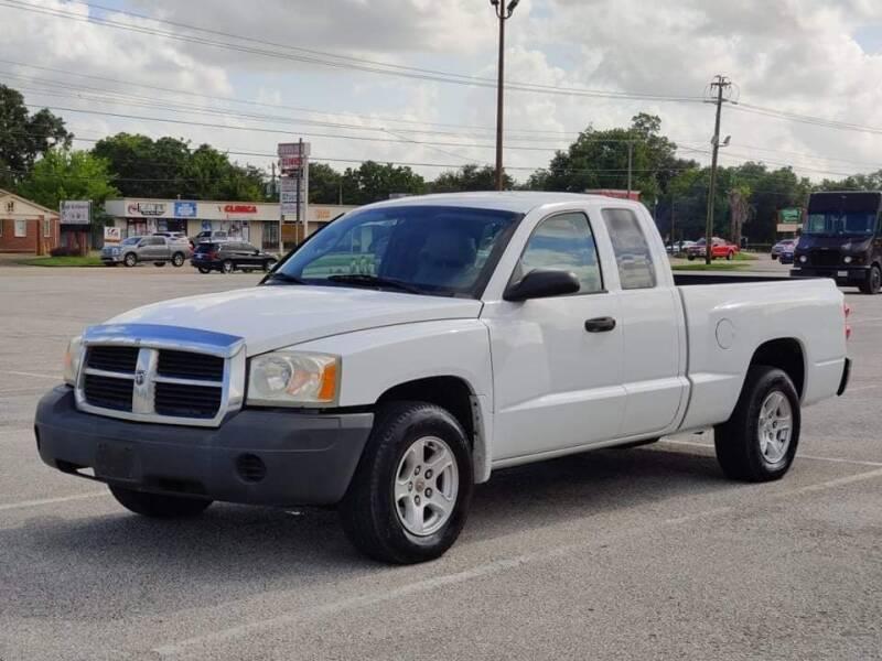 2005 Dodge Dakota for sale at Loco Motors in La Porte TX