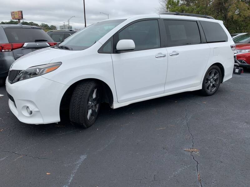2017 Toyota Sienna for sale at Sun Coast City Auto Sales in Mobile AL