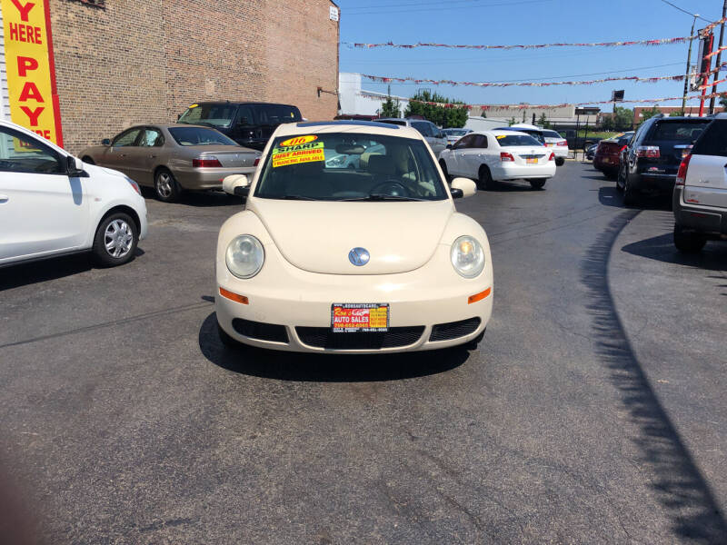 2006 Volkswagen New Beetle for sale at RON'S AUTO SALES INC in Cicero IL