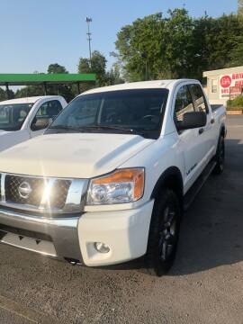 2015 Nissan Titan for sale at BRYANT AUTO SALES in Bryant AR