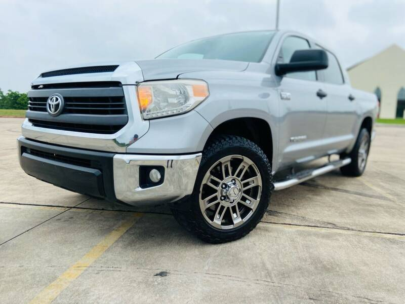 2015 Toyota Tundra for sale at AUTO DIRECT Bellaire in Houston TX