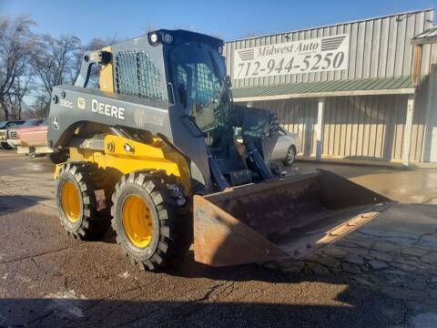 2017 John Deere 330G for sale at Midwest Auto of Siouxland, INC in Lawton IA