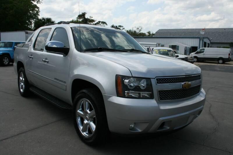 2012 Chevrolet Avalanche for sale at Mike's Trucks & Cars in Port Orange FL