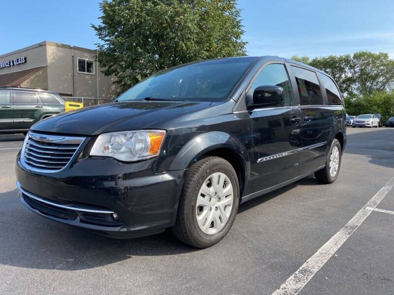 2014 Chrysler Town and Country for sale at MIDWEST CAR SEARCH in Fridley MN