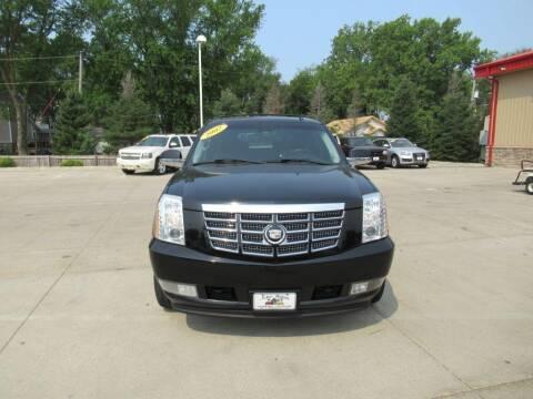 2007 Cadillac Escalade for sale at Aztec Motors in Des Moines IA