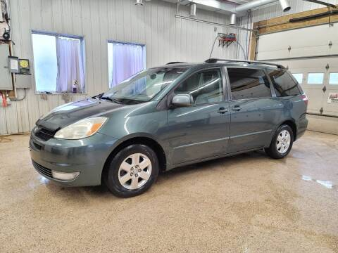 2004 Toyota Sienna for sale at Sand's Auto Sales in Cambridge MN