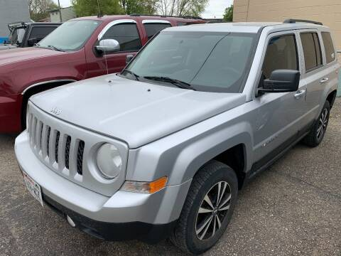 2012 Jeep Patriot for sale at BEAR CREEK AUTO SALES in Rochester MN