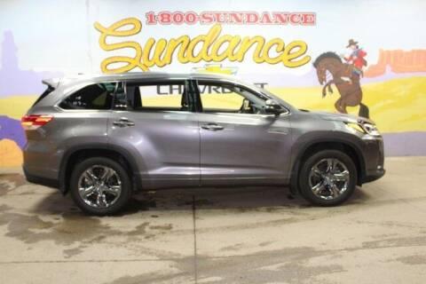 2019 Toyota Highlander for sale at Sundance Chevrolet in Grand Ledge MI