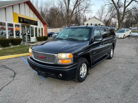 2004 GMC Yukon XL for sale at Bronco Auto in Kalamazoo MI