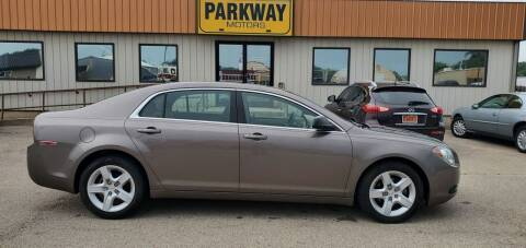 2010 Chevrolet Malibu for sale at Parkway Motors in Springfield IL
