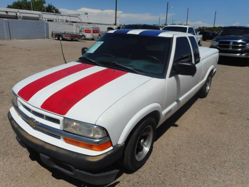 1998 Chevrolet S-10 for sale at AUGE'S SALES AND SERVICE in Belen NM