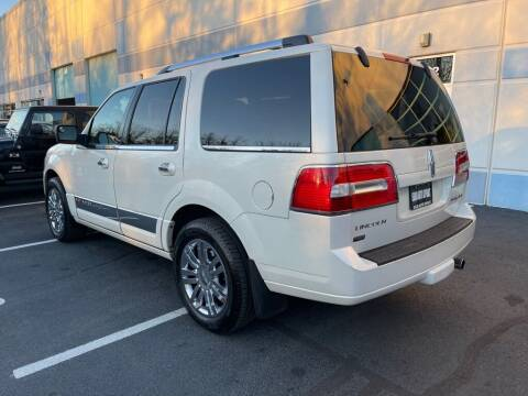 2007 Lincoln Navigator for sale at Euro Auto Sport in Chantilly VA