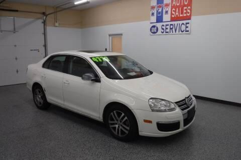 2005 Volkswagen Jetta for sale at 777 Auto Sales and Service in Tacoma WA