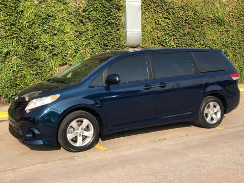 2011 Toyota Sienna for sale at El Tucanazo Auto Sales in Grand Island NE