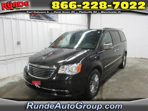 2014 Chrysler Town and Country for sale at Runde Chevrolet in East Dubuque IL