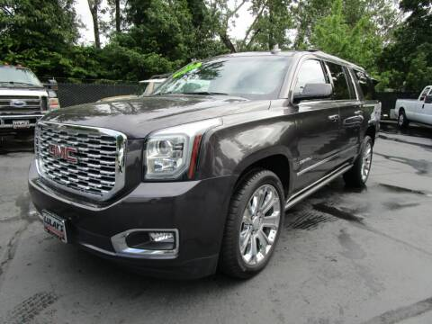 2018 GMC Yukon XL for sale at LULAY'S CAR CONNECTION in Salem OR