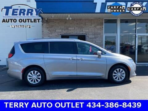 2019 Chrysler Pacifica for sale at Terry Auto Outlet in Lynchburg VA