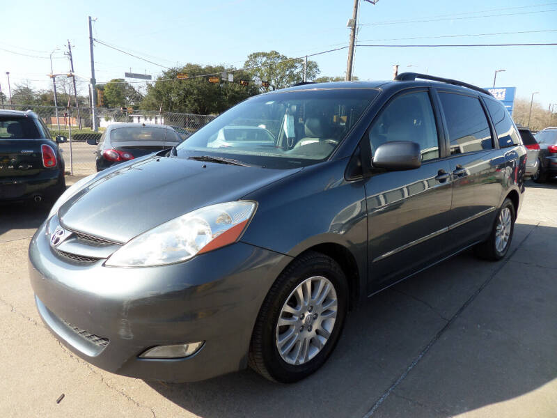 2009 Toyota Sienna for sale at West End Motors Inc in Houston TX