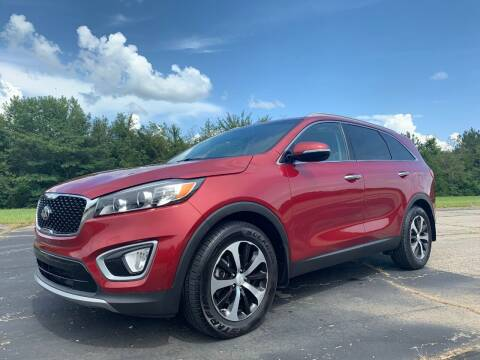 2016 Kia Sorento for sale at Crawley Motor Co in Parsons TN