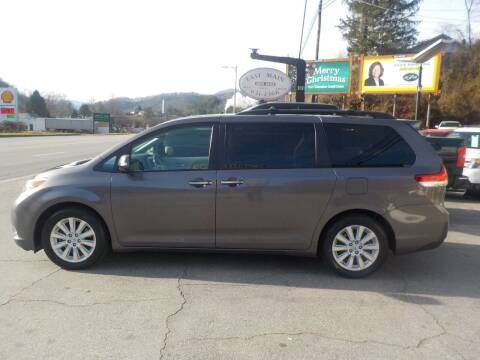 2014 Toyota Sienna for sale at EAST MAIN AUTO SALES in Sylva NC