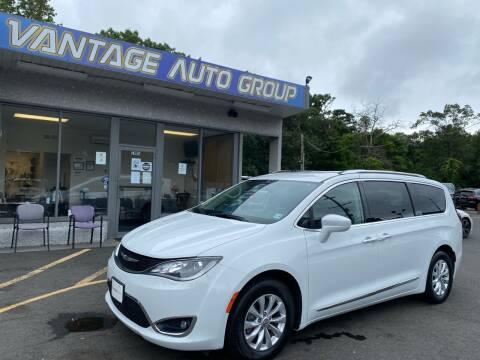 2019 Chrysler Pacifica for sale at Vantage Auto Group in Brick NJ