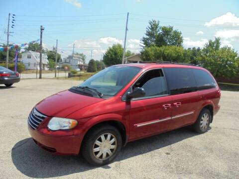 2005 Chrysler Town and Country for sale at B & G AUTO SALES in Uniontown PA