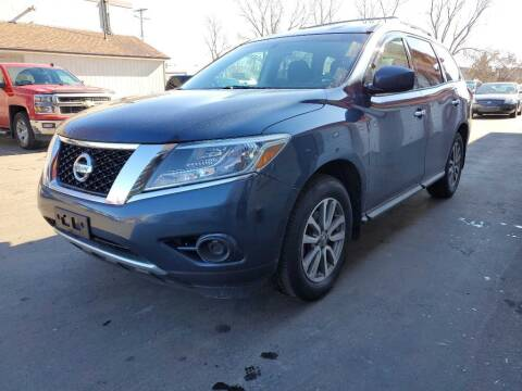2014 Nissan Pathfinder for sale at MIDWEST CAR SEARCH in Fridley MN