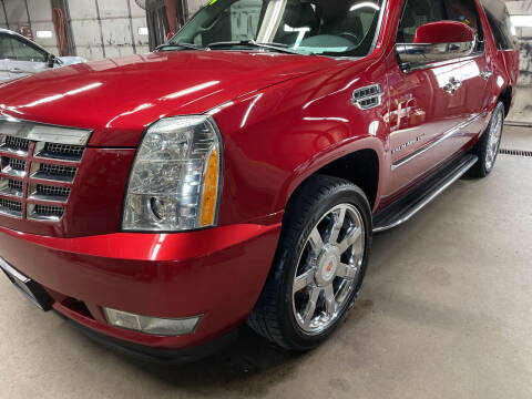 2014 Cadillac Escalade ESV for sale at Chuck's Sheridan Auto in Mount Pleasant WI