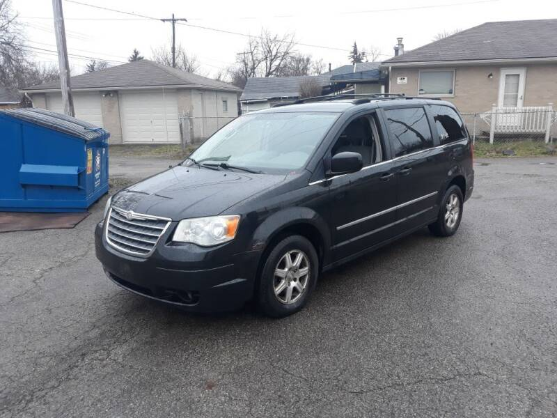 2009 Chrysler Town and Country for sale at Flag Motors in Columbus OH